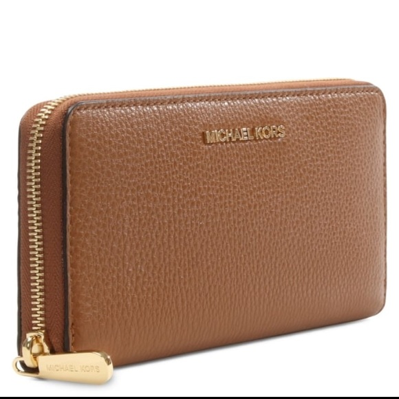 ac00a86c4c93 Bedford Continental Luggage Leather Zip Wallet